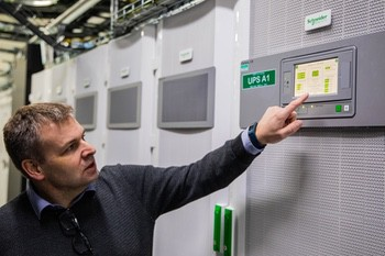 Power and Cooling Guidelines for Deploying IT in Colocation Data Centers